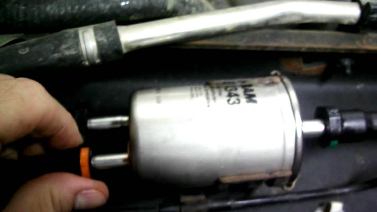 2005 ford freestar fuel filter location