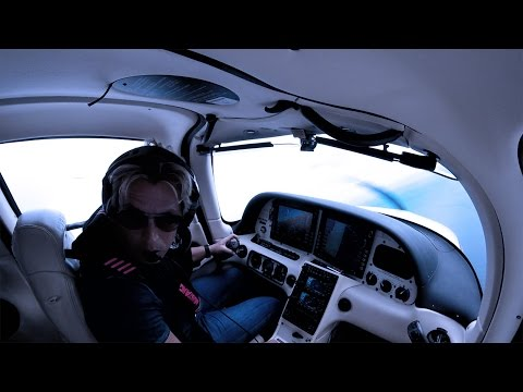 Cirrus SR 22 - Real Emergency Over the Ocean