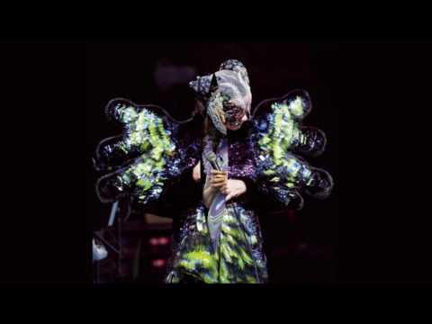 Björk - Come to Me (Live) 2016