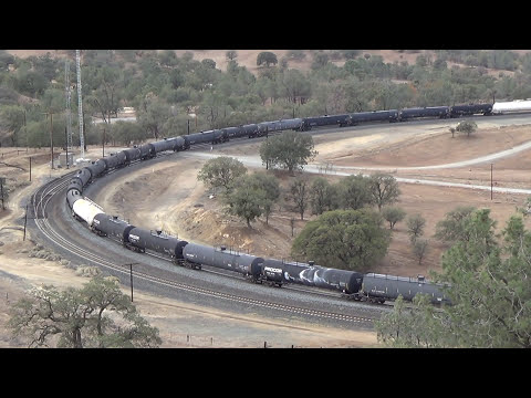 Trains - Tehachapi, California, USA - 2013