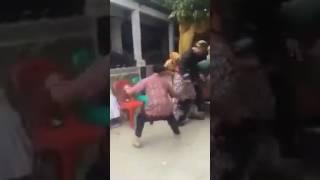 "Video Sumber suara 'Mohon bersabar ini ujian""-Mengamuk di pernikahan mantan#Viral@Indonesia"