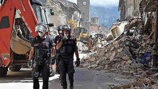 أكثر من 70 قتيلا جراء زلزال ضرب وسط إيطاليا
