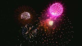 平成28年12月18日(日)、今年最後の熱海海上花火大会より、オープニング...