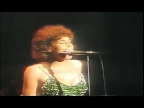 HELEN REDDY - MEDLEY OF HITS LIVE PART 1 - 1976 LAS VEGAS CONCERT