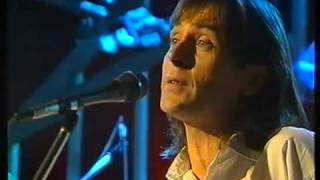 Watch Dougie Maclean Auld Lang Syne video