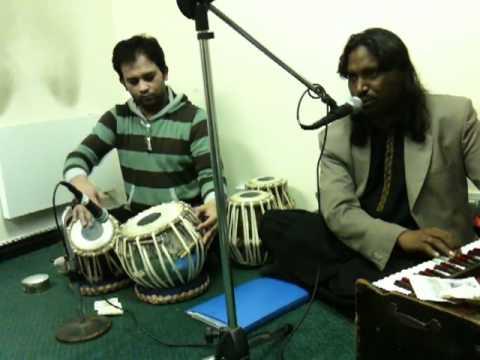 Sagheer Ustaad singing Gham hai ya Khushi hai