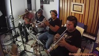 Yosmel Garceran tocando para el disco de Robert Vilera