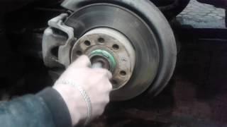 Замена переделанного  подшипника ступицы заднего колеса  VOLKSWAGEN Jetta 2007