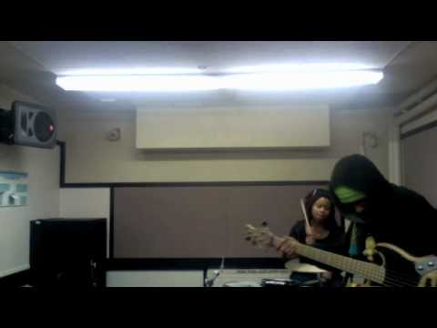 Taylor Gordon and Dywane Thomas Jr. (Drum and Bass Jam Vl.3) (Funky groove on drums)