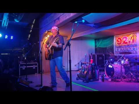 Pat Green singing Carry On at Gruene Hall at the 2016 Americana Music Jam
