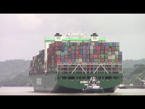Container Ship EVER LEGEND at Gamboa - Panama Canal - Gaillard Cut (May 1, 2017)
