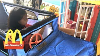 McDonalds Drive Thru Pretend Play Saves The Day | Toys Academy