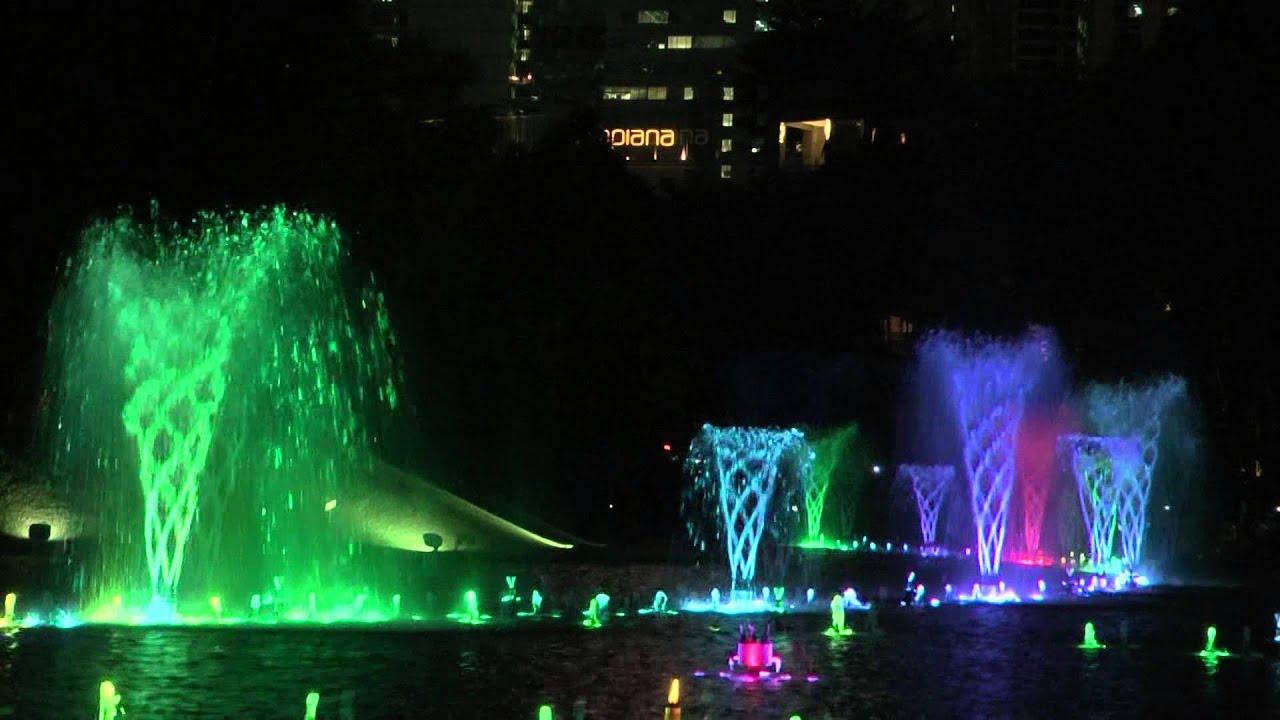 Lake Symphony Water Fountain Light Show Kuala Lumpur Petronas Towers You