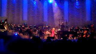 Girl Disappearing - Tori Amos & The Metropole Orchestra @ HMH