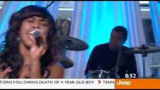 Paulini - Superwoman (Live on Sunrise January 2006)