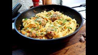 Фрикадельки и  pasta - очень вкусно и  basta! (1800 секунд!)