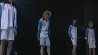 凱旋DVDより。M-18 ワッシーは歌詞を変えて歌ってます^^ 和樹さんと工...