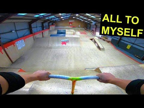 scooter-tricks-at-awesome-indoor-skatepark!
