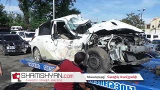 Խոշոր ավտովթար Թբիլիսյան խճուղում  27–ամյա վարորդը Nissan ով բախվել է գովազդային վահանակի սյանը