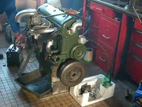 remise en route d 39 un moteur 6 cylindres de citro n 15 6 de 1953 youtube. Black Bedroom Furniture Sets. Home Design Ideas