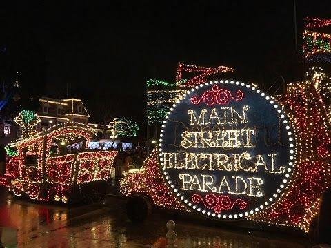 [4K]Main Street Electrical Light Parade Premiere at Disneyland - 1/19/17