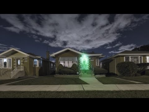 lighting a house. Everyone Needs To Know What It Means See A Green Light Outside Someone\u0027s House Lighting O