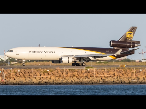 Golden Hour | UPS MD-11F Landing at Sydney Airport | N256UP