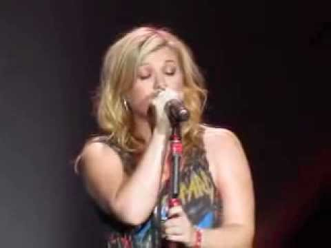 Kelly Clarkson - Nothing Compares To You, O2 Dublin 2012