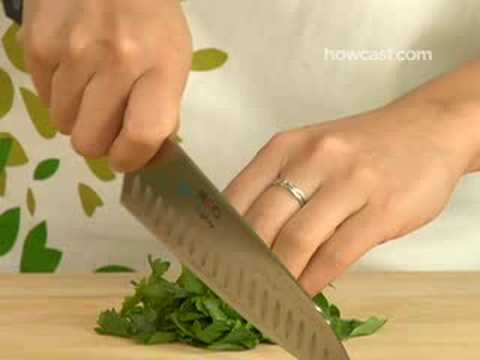 How to Mince Cut Parsley - YouTube