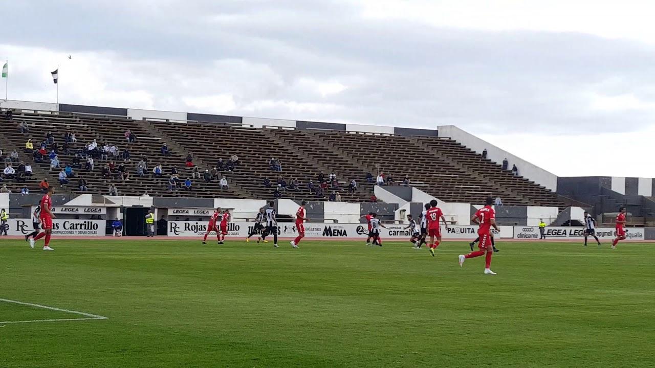 La RB Linense, con diez durante 35 minutos, no puede con un rocoso  Tamaraceite (0-0) - www.DeportesCG.es