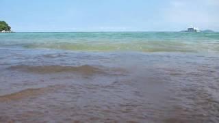 Melayan Ombak Di Pulau Tioman