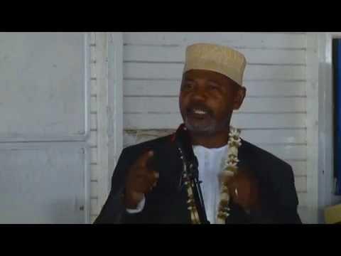 Entrée de l'ex Directeur de Comores télécom M. Oumar Mgomri à la CRC 1/5