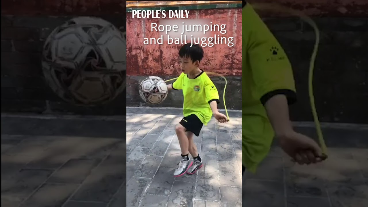 Skipping rope and juggling ball at the same time? This boy is a master at multitasking! 👍