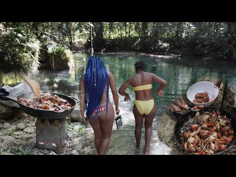 Outdoor Cooking Spicy Crayfish Catch and Cook | River Jamaica