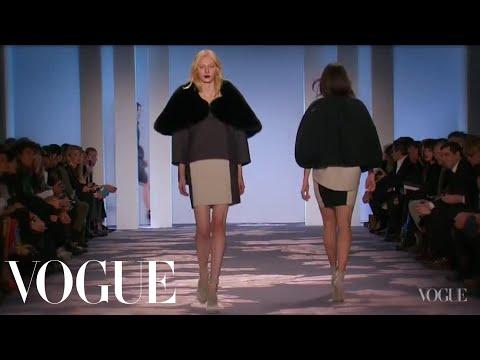 Vera Wang Ready to Wear Fall 2013 Vogue Fashion Week Runway Show