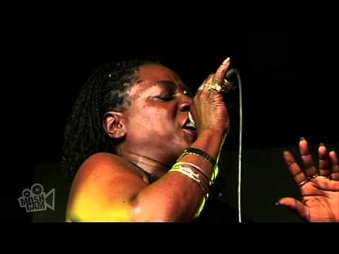 Sharon Jones & The Dap-Kings - Be Easy (Live in Sydney) | Moshcam