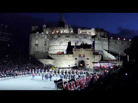 Edinburgh Military Tattoo 2017 - Act 1 - Entrance of The Massed Pipes & Drums