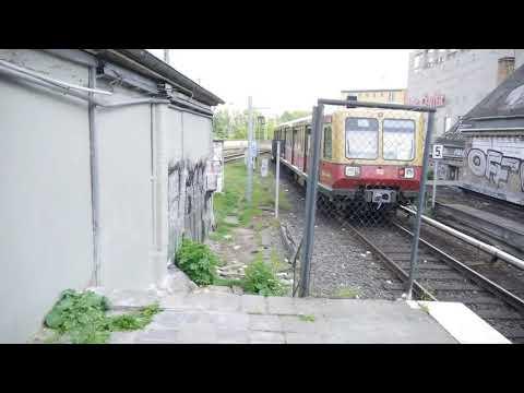 frankfurter-allee-berlin:-abfahrt-der-s85-nach-nach-berlin-schöneweide