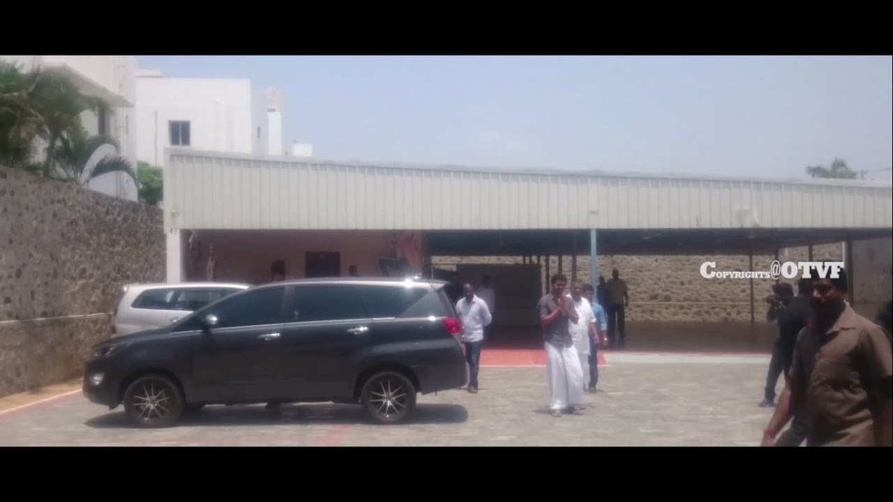 IIlayathalapathy vijay anna entry at panayur office video by OTVF team