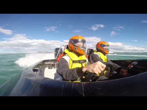 Offshore Powerboat Racing - Opening lap at Napier