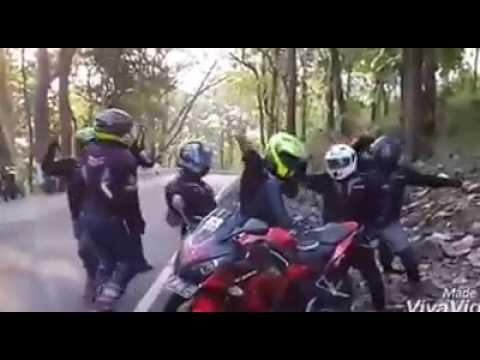 Goyang Lucu Klub Motor CBR Di Jalan .