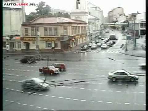 Các kiểu tai nạn tại Mátxcova - saloncar.com.flv