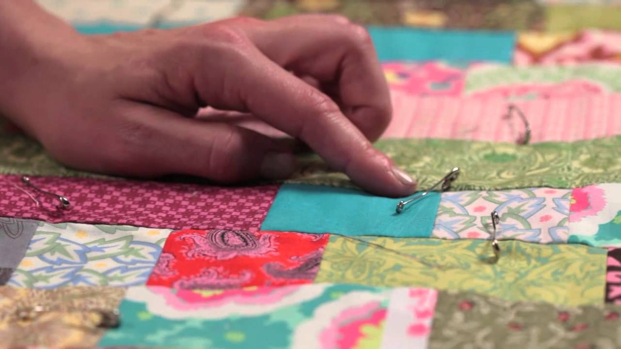 Quilty: Tying a Quilt—Quilting How-to - YouTube : tie a quilt - Adamdwight.com