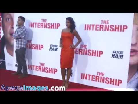 Tiya Sircar rocks a orange dress at Premiere 'The Internship'
