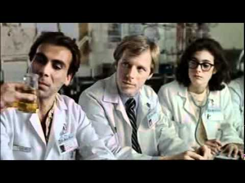 Young Doctors In Love : 05-Prof-P-finger