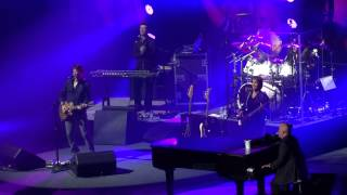 Billy Joel, Vienna, Uptown Girl, Don't Ask Me Why. Manchester Phones 4U Arena 29 October 2013