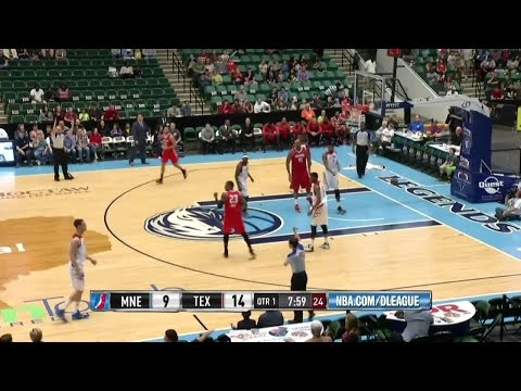 Highlights: James Young (30 points) vs. the Legends, 4/3/2015