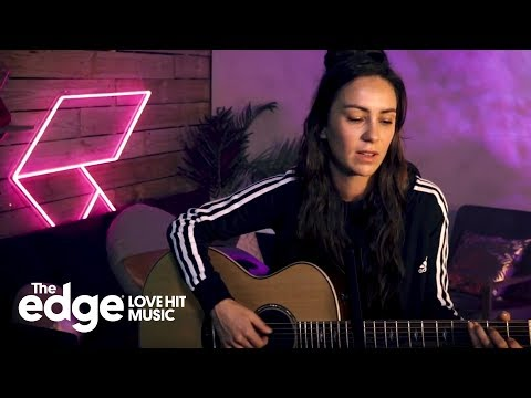 Amy Shark - Girls Like You (Maroon 5 ft. Cardi B Cover) live at The Edge