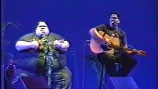 "Baixar Israel ""IZ"" Kamakawiwoʻole - ""Take Me Home Country Road"" LIVE - 1997"