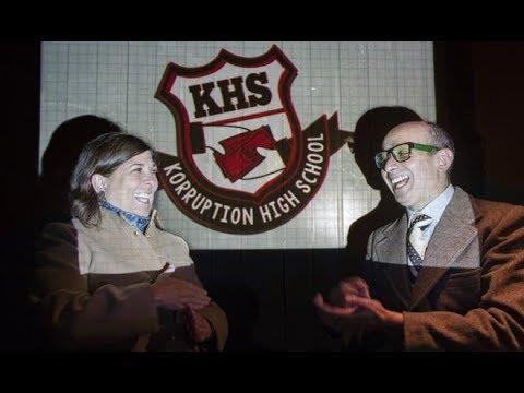 Microteatro Korruption High School: Por la democracia con Christian Ysla y Rosa Maria Palacios